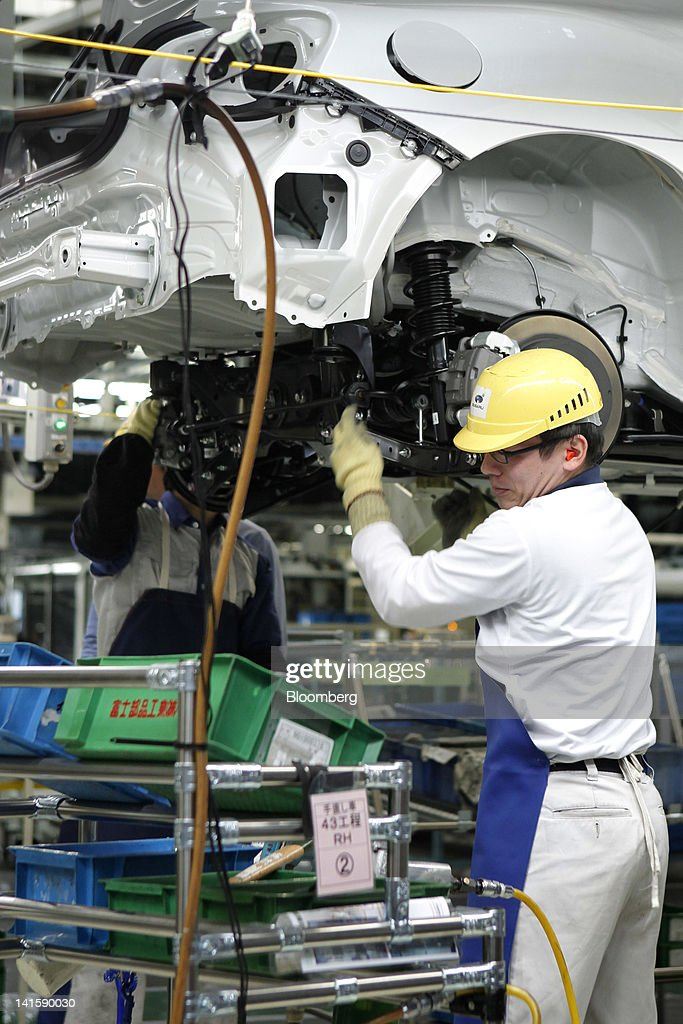 Images of toyota 86 and subaru brz assembly inside fuji for Motor city assembly line