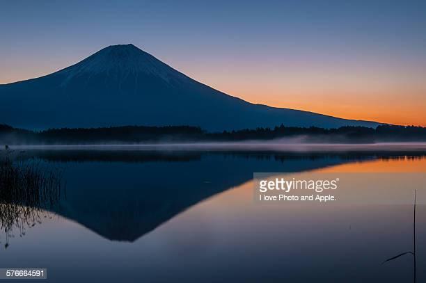Fuji, Lake Tanuki daybreak