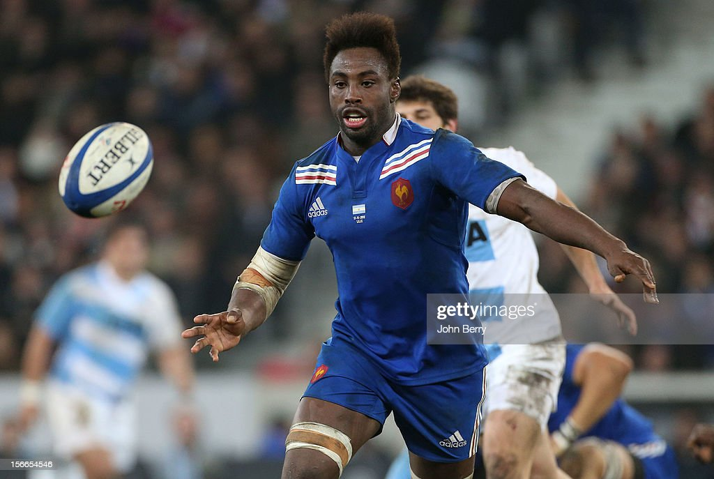 Fulgence Ouedraogo of France in action during the rugby autumn international between France and Argentina at the Grand Stade Lille Metropole on...