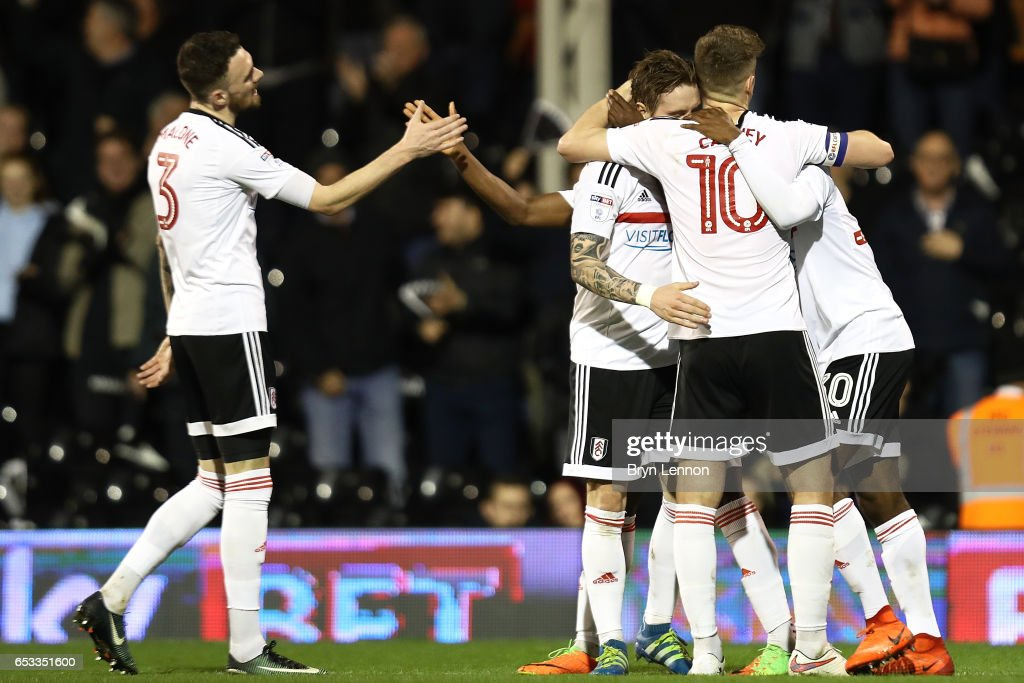 Fulham celebrate scoring the goal of Sone Aluko during the Sky Bet Championship match between Fulham and Blackburn Rovers at Craven Cottage on March 14, 2017 in London, England.