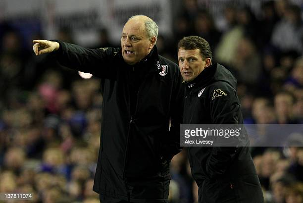 Fulham Manager Martin Jol and Coach Billy McKinlay issue instructions during the FA Cup Fourth Round match between Everton and Fulham at Goodison...