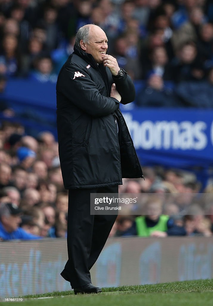 Fulham manager <a gi-track='captionPersonalityLinkClicked' href=/galleries/search?phrase=Martin+Jol&family=editorial&specificpeople=215368 ng-click='$event.stopPropagation()'>Martin Jol</a> looks on during the Barclays Premier League match between Everton and Fulham at Goodison Park on April 27, 2013 in Liverpool, England.