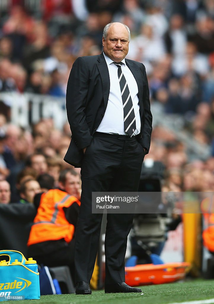 Fulham manager <a gi-track='captionPersonalityLinkClicked' href=/galleries/search?phrase=Martin+Jol&family=editorial&specificpeople=215368 ng-click='$event.stopPropagation()'>Martin Jol</a> reacts during the Barclays Premier League match between Fulham and Stoke City at Craven Cottage on October 5, 2013 in London, England.