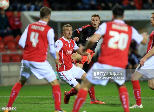 Fulham's Cauley Woodrow scoring