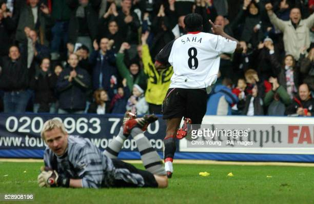 Fulham's Louis Saha wheels away from Southampton goalkeeper Antii Niemi after scoring during the FA Barclaycard Premiership Boxing day match held at...