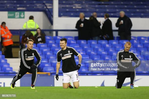 Fulham's Scott Parker John Arne Riise and Steve Sidwell warm up