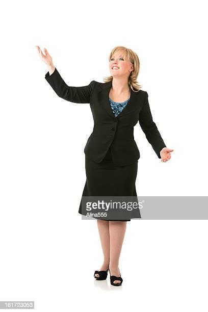 Retrato de cuerpo entero de una mujer de negocios en blanco rubia