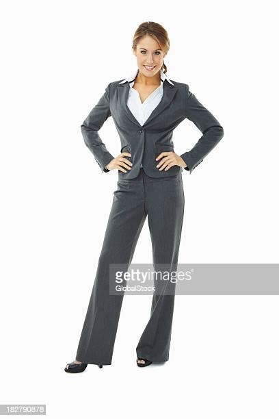 Longueur de confiant jeune femme d'affaires, isolé sur blanc