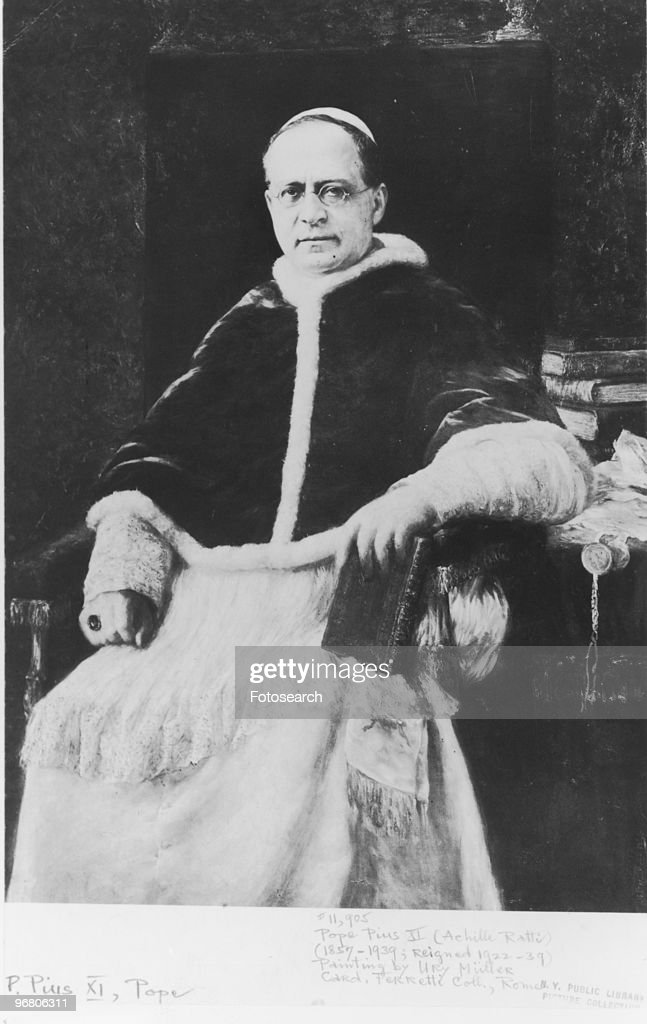 Full length portrait of <a gi-track='captionPersonalityLinkClicked' href=/galleries/search?phrase=Pope+Pius+XI&family=editorial&specificpeople=93954 ng-click='$event.stopPropagation()'>Pope Pius XI</a> (Achille Ratti), circa 1922. (Photo by Fotosearch/Getty Images).