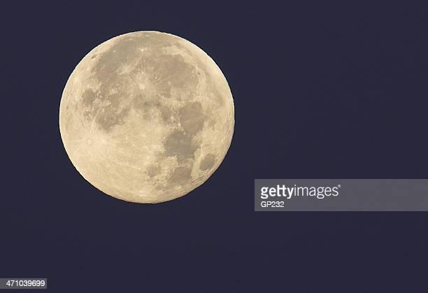 満月のクローズアップ
