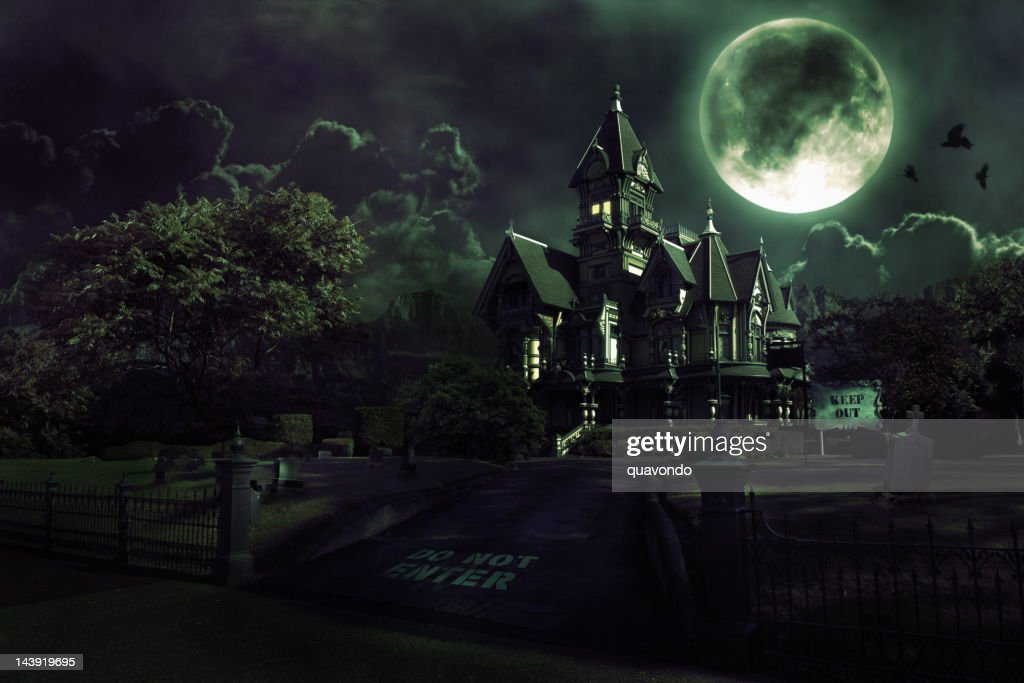 Full Moon Over Haunted House with Graveyard for Halloween : Stock Photo