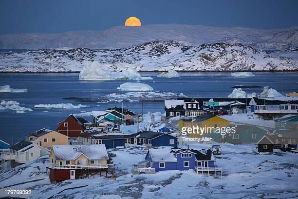 Full moon,icebergs & colourful houses in Ilulissat
