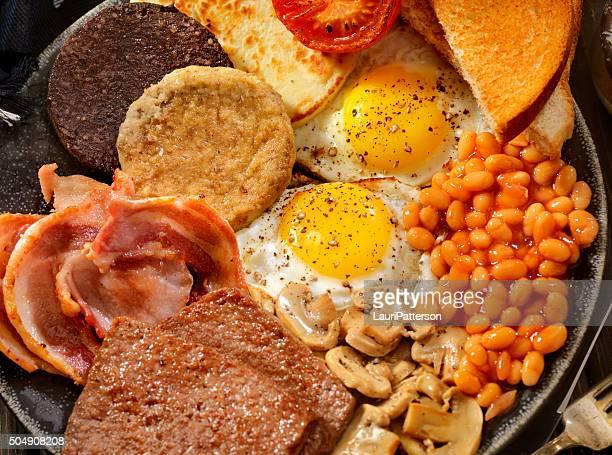 Completo desayuno tradicional escocesa