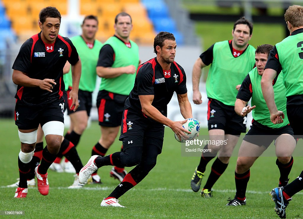 Fullback <a gi-track='captionPersonalityLinkClicked' href=/galleries/search?phrase=Lee+Byrne&family=editorial&specificpeople=460147 ng-click='$event.stopPropagation()'>Lee Byrne</a> rins with the ball during a Wales IRB Rugby World Cup 2011 training session at Mt Smart Stadium on October 11, 2011 in Auckland, New Zealand.