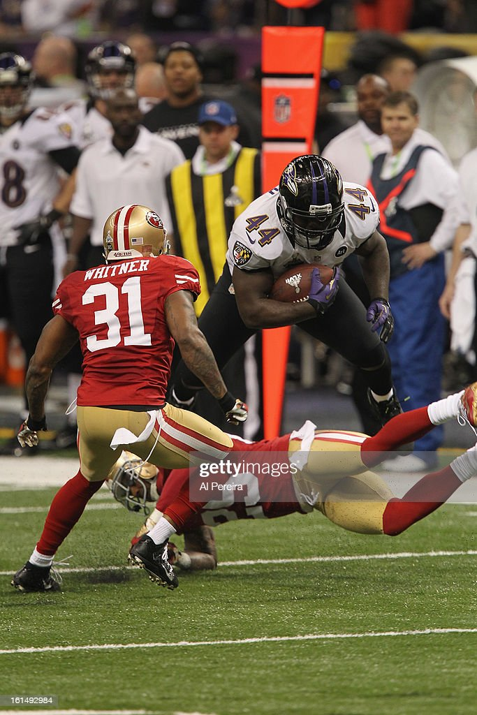 Fullback Vonta Leach of the Baltimore Ravens has a long gain against the San Francisco 49ers during Super Bowl XLVII at MercedesBenz Superdome on...