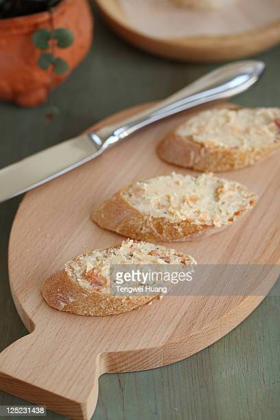 Fumigate salmon butter sauce