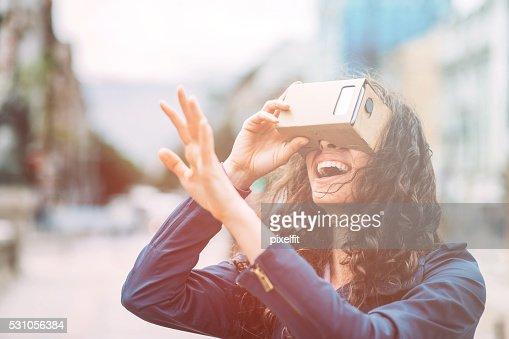 Fun with cardboard virtual reality simulatop