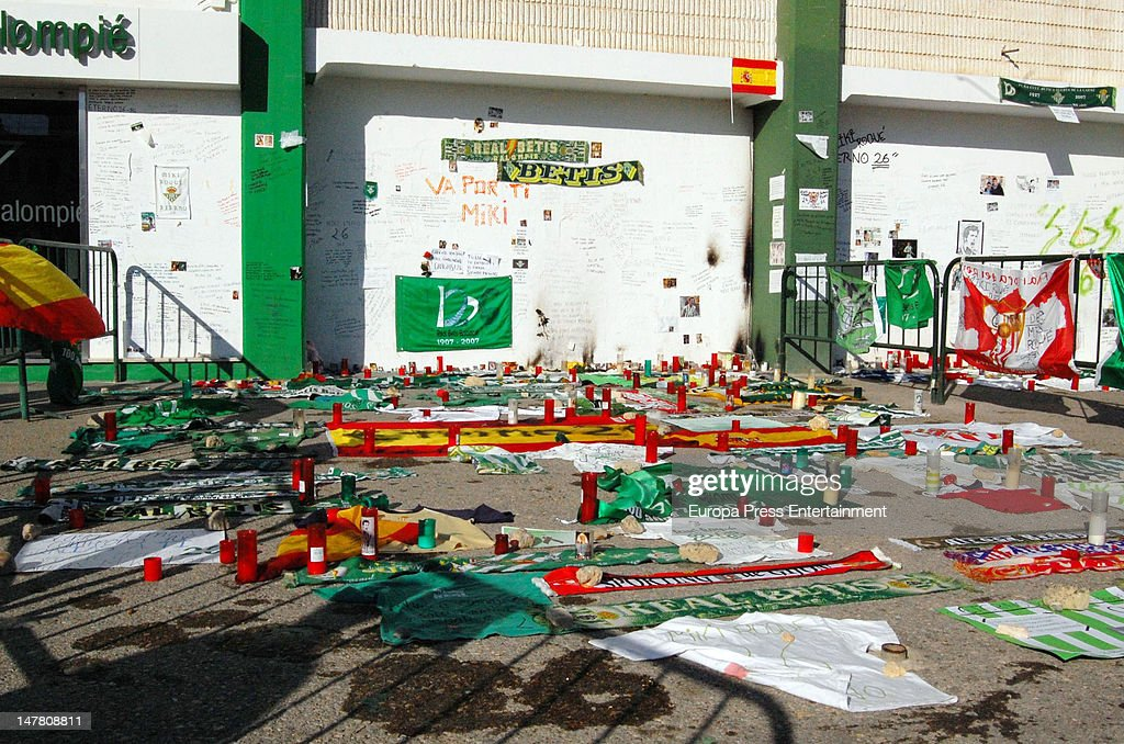 Funeral for Real Betis and former Liverpool FC football player Miki Roque at Benito Villamarin Stadium on July 2 2012 in Seville Spain Miki Roque...