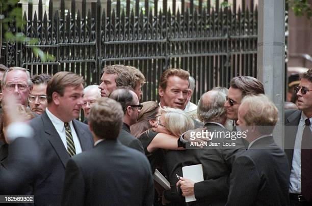 Funeral Of John John Kennedy And His Wife Carolyn Bessette EtatsUnis 23 juillet 1999 les obsèques de John John KENNEDY de son épouse Carolyn et sa...