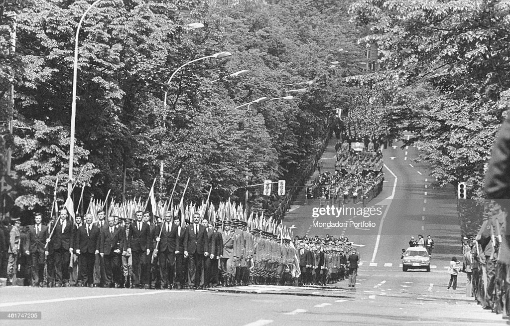 Funeral procession escorting the coffin of the President of the Socialist Federal Republic of Yugoslavia <a gi-track='captionPersonalityLinkClicked' href=/galleries/search?phrase=Josip+Broz+Tito&family=editorial&specificpeople=93742 ng-click='$event.stopPropagation()'>Josip Broz Tito</a>. Belgrade, 8th May 1980