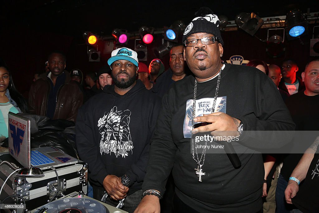 <a gi-track='captionPersonalityLinkClicked' href=/galleries/search?phrase=Funkmaster+Flex&family=editorial&specificpeople=221355 ng-click='$event.stopPropagation()'>Funkmaster Flex</a> and Big Kap spin at The Legendary Tunnel Party at B.B. King Blues Club & Grill on January 31, 2014 in New York City.