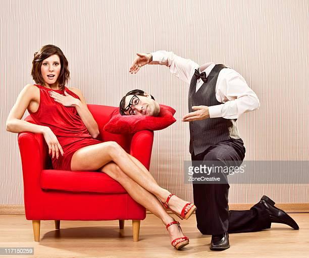 Lustiger behead Uncool Romantik verleihen dem Kopf zu schönen Mädchen