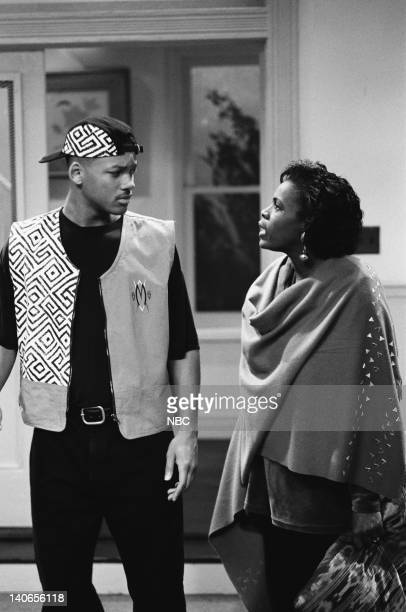 AIR 'A Funny Thing Happened on the way Home from the Forum' Episode 11 Pictured Will Smith as William 'Will' Smith Janet Hubert as Vivian Banks Photo...