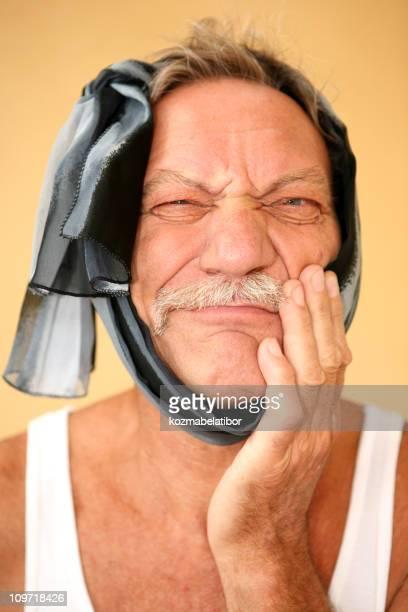 Lustiger der Zahn weh tut