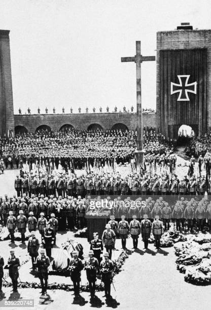 Funérailles nationales de Paul von Hindenburg président du Reich dans le mémorial de Tannenberg en PrusseOrientale en Pologne en août 1934
