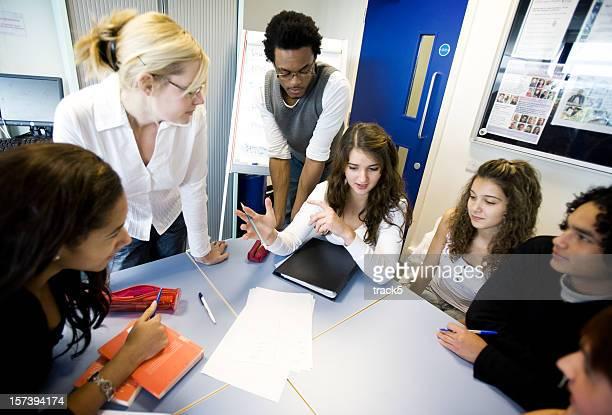 Jeunes étudiants: Débat de classe