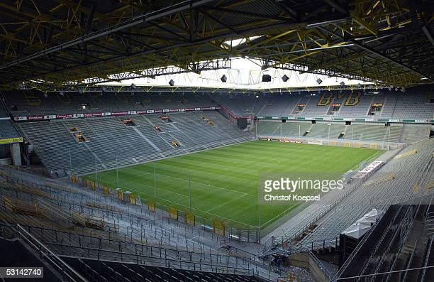 1 Bundesliga 03/04 Dortmund 200404 Borussia Dortmund / Stadion Westfalenstadion FotoBONGARTS/Christof Koepsel