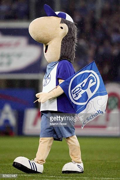 Fussball 1 Bundesliga 04/05 Gelsenkirchen FC Schalke 04 Arminia Bielefeld 21 Schalke Maskottchen Erwin 281104
