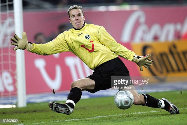 Fussball 1 Bundesliga 04/05 Hannover Hannover 96 Hertha BSC Berlin 01 Torwart Robert ENKE / Hannover 111204