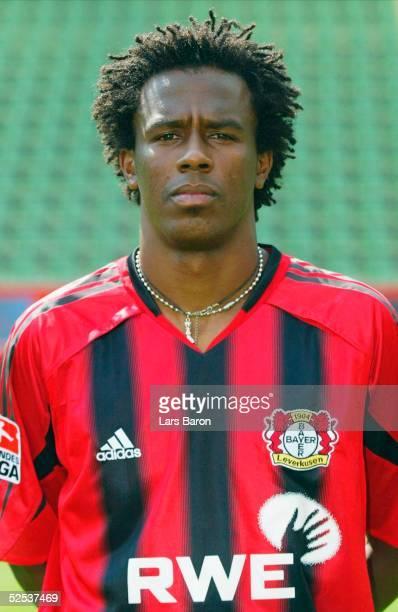 Fussball 1 Bundesliga 04/05 Leverkusen Bayer 04 Leverkusen / Portraittermin Roque JUNIOR 050804