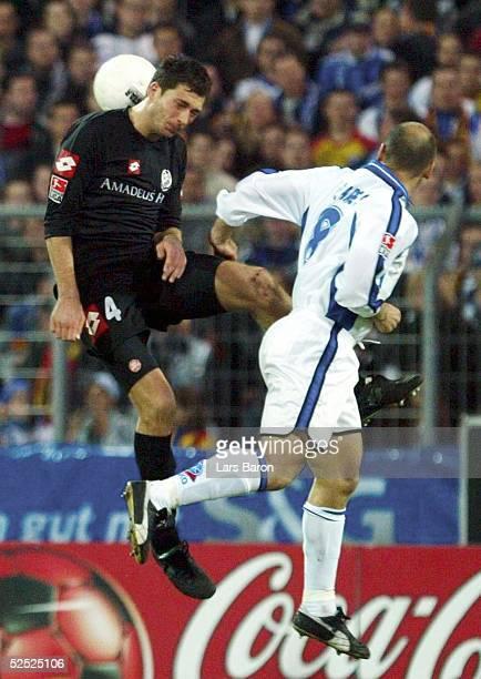 Fussball 2 Bundesliga 03/04 Karlsruhe Karlsruher SC 1 FSV Mainz 05 Sandro SCHWARZ / Mainz Bernhard TRARES / KSC 150304