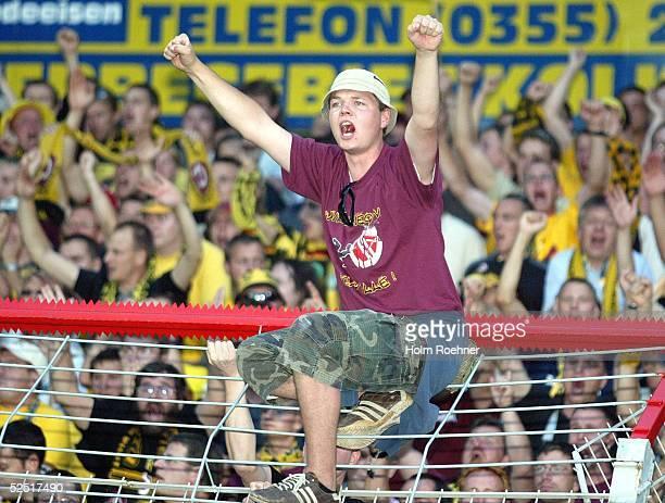 Fussball 2 Bundesliga 04/05 Cottbus Energie Cottbus Dynamo Dresden Dynamo Dresden Fans 160804