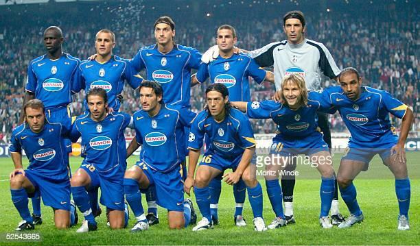 Fussball Champions League 04/05 Amsterdam Ajax Amsterdam Juventus Turin 01 Juventus Turin mit Lilian THURAM Fabio CANNAVARO Zlatan IBRAHIMOVIC...