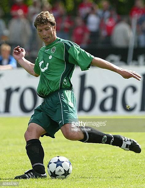 Fussball DFB Pokal 04/05 Neumuenster VfR Neumuenster Hannover 96 03 Michael TARNAT / Hannover 220804