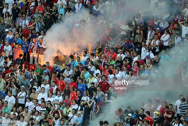Rauch im Russland Vorrunde Spiel 18 Gruppe Gruppe A Griechenland Russland 10 Fussball EM UEFA Euro Europameisterschaft 2012 Polen Ukraine Greece...