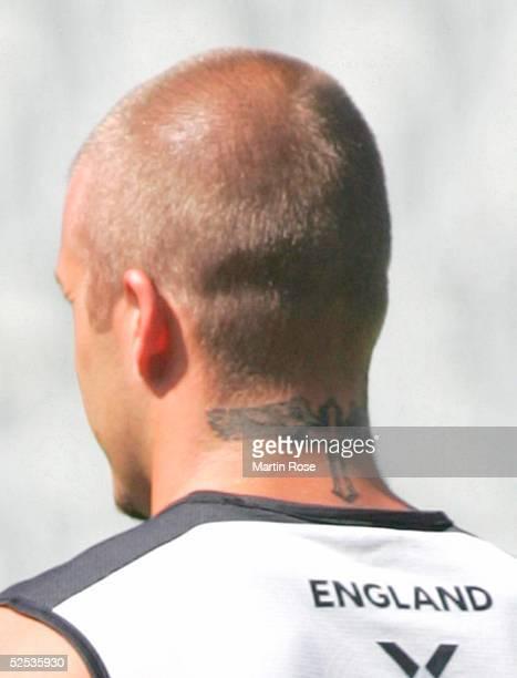 Fussball Euro 2004 in Portugal Dafundo Nationalmannschaft ENGLAND / Training David BECKHAM mit Tattoo im Nacken 110604