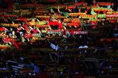 Fussball Euro 2004 in Portugal Halbfinale / Spiel 29 Lissabon Portugal Niederlande 21 Fans POR 300604
