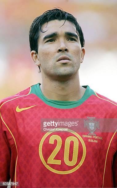 Fussball Euro 2004 in Portugal Vorrunde / Gruppe A / Spiel 17 Lissabon Spanien Portugal 01 DECO / POR 200604