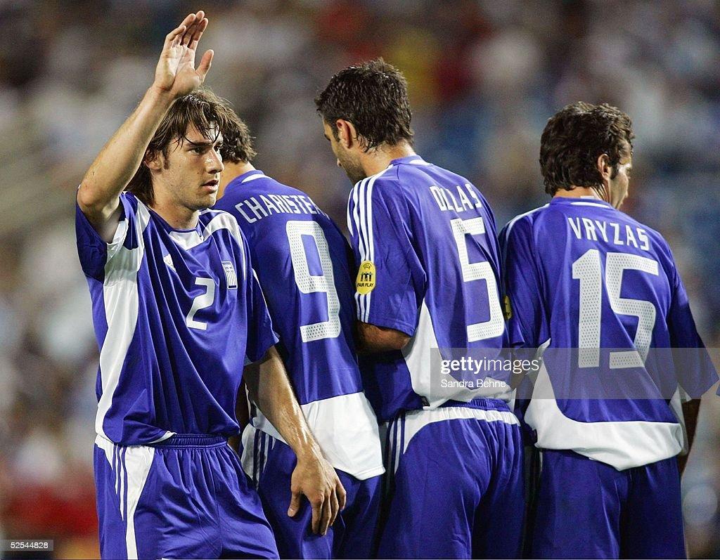 Fussball Euro 2004 in Portugal Vorrunde / Gruppe A / Spiel 18 Faro Russland Griechenland Georgios SEITARIDIS Angelos CHARISTEAS Traianos DELLAS Zisis...