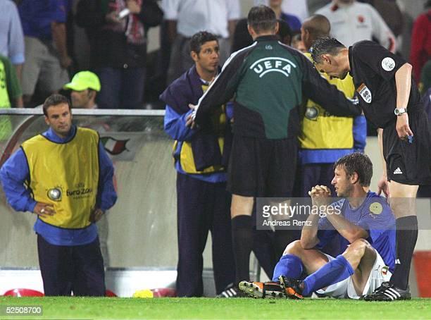 Fussball Euro 2004 in Portugal Vorrunde / Gruppe C / Spiel 21 Guimaraes Italien Bulgarien 21 Antonio CASSANO / ITA Torschuetze zum 21 ist fassungslos...