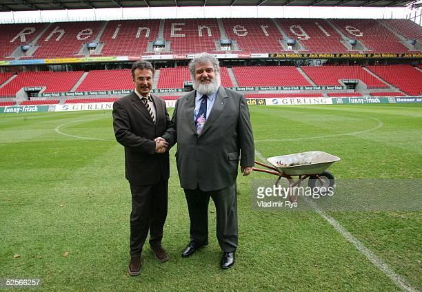 Fussball FIFA Confederations Cup 2005 Koeln Pressegespraech Helmut SANDROCK / LOC Turnierorganisation Chuck BLAZER / Chairman of the Organizing...