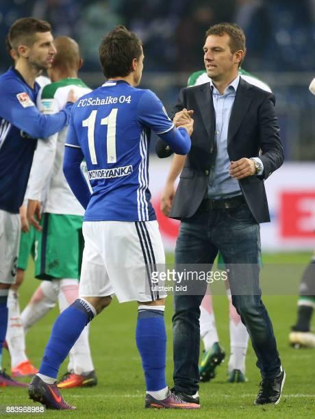 Fussball GER 1 Bundesliga Saison 2016 2017 10 Spieltag Trainer Markus Weinzierl re und Yevhen Konoplyanka