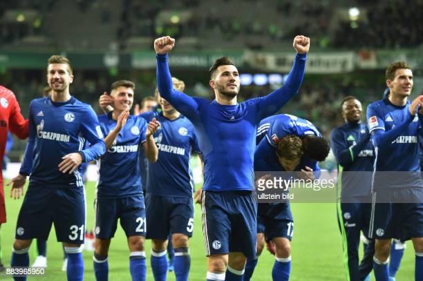 Fussball GER 1 Bundesliga Saison 2016 2017 11 Spieltag Schalke Jubel nach dem Spiel Sead Kolasinac mitte