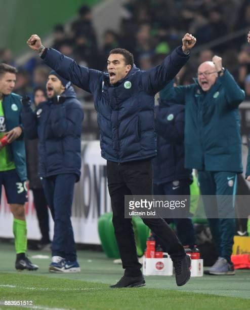 Fussball GER 1 Bundesliga Saison 2016 2017 16 Spieltag Borussia Moenchengladbach VfL Wolfsburg Jubel Trainer Valerien Ismael