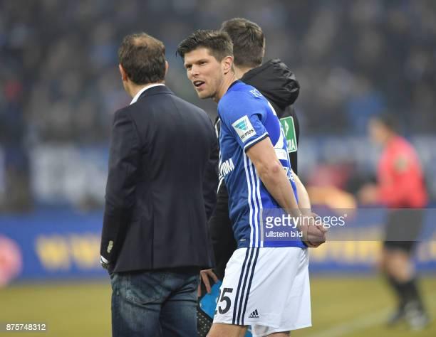 Fussball GER 1 Bundesliga Saison 2016 2017 20 Spieltag KlaasJan Huntelaar Klaas Jan Huntelaar re und Trainer Markus Weinzierl