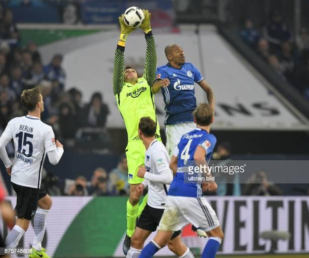 Fussball GER 1 Bundesliga Saison 2016 2017 20 Spieltag Torwart Rune Jarstein li gegen Naldo